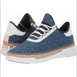 Michael kors sneaker size 9